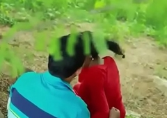 Indian Sexy School skirt romance in outdoor hot sex video